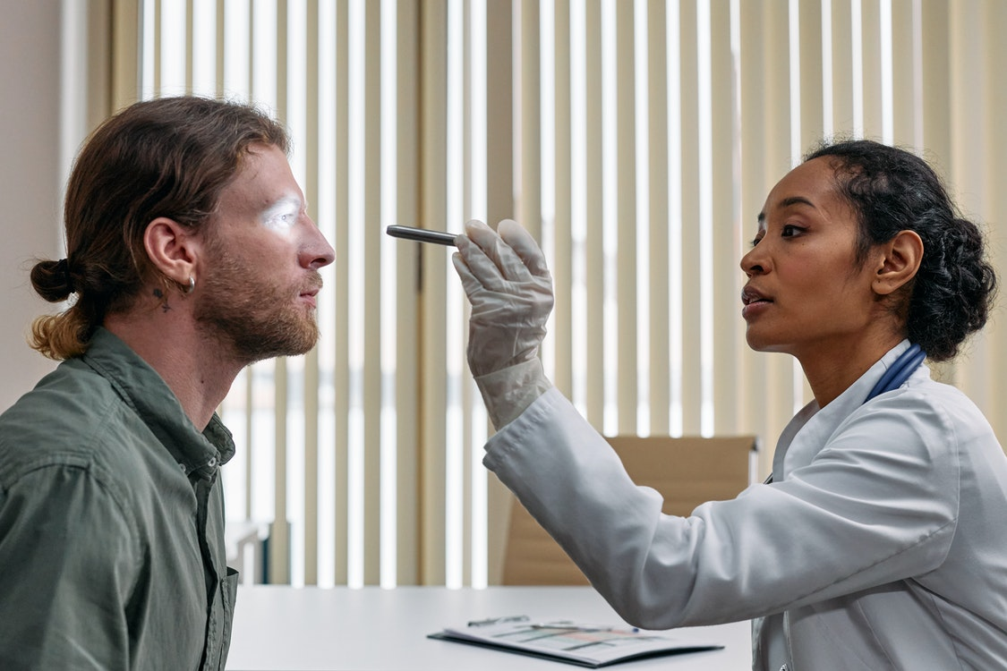 Crucial Information You Should Have in Hand When Going for an Eye Specialist Visit