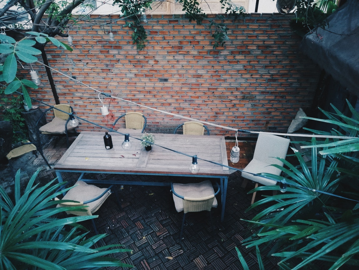 Tips on Making a Convenient Outdoor Dining Space