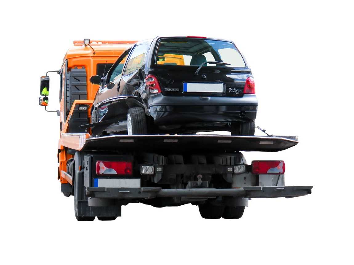 Keep Safe When Towing – Safety Precautions to Remember