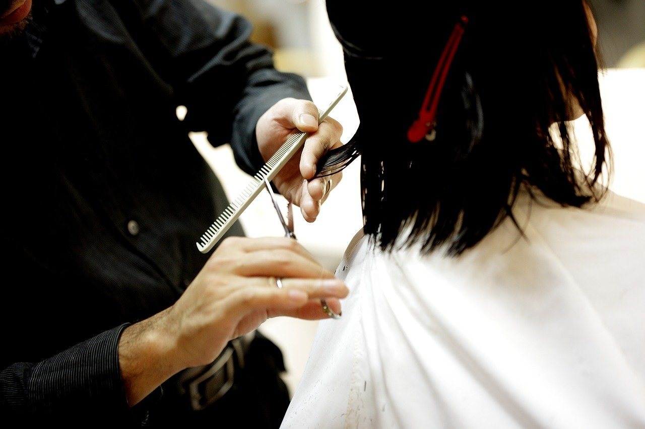Finding The Best Hairdresser For You – Tips To Make The Search Easier