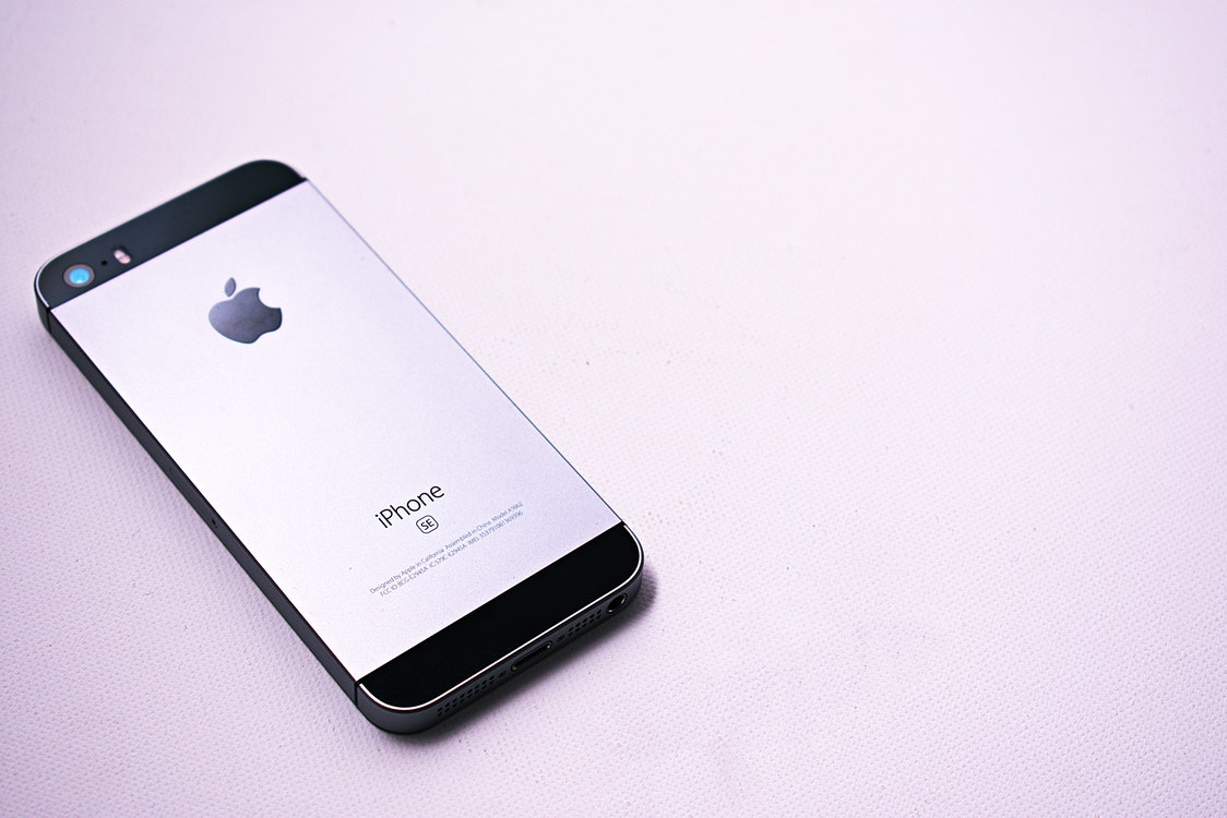 How to Repair Your iPhone – Considerations to Remember Before Picking a Service