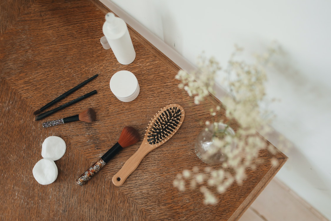 Buying a New Hair Brush Online – Factors You Should Double Check Before Choosing